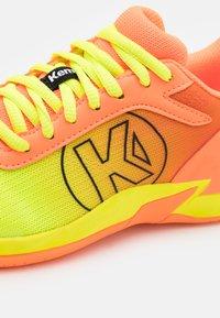 Kempa - ATTACK 2.0 JUNIOR UNISEX - Handballschuh - flou orange/flou yellow - 5