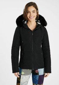 Desigual - SLIM PADDED JACKET HOOD - Winter jacket - black - 0