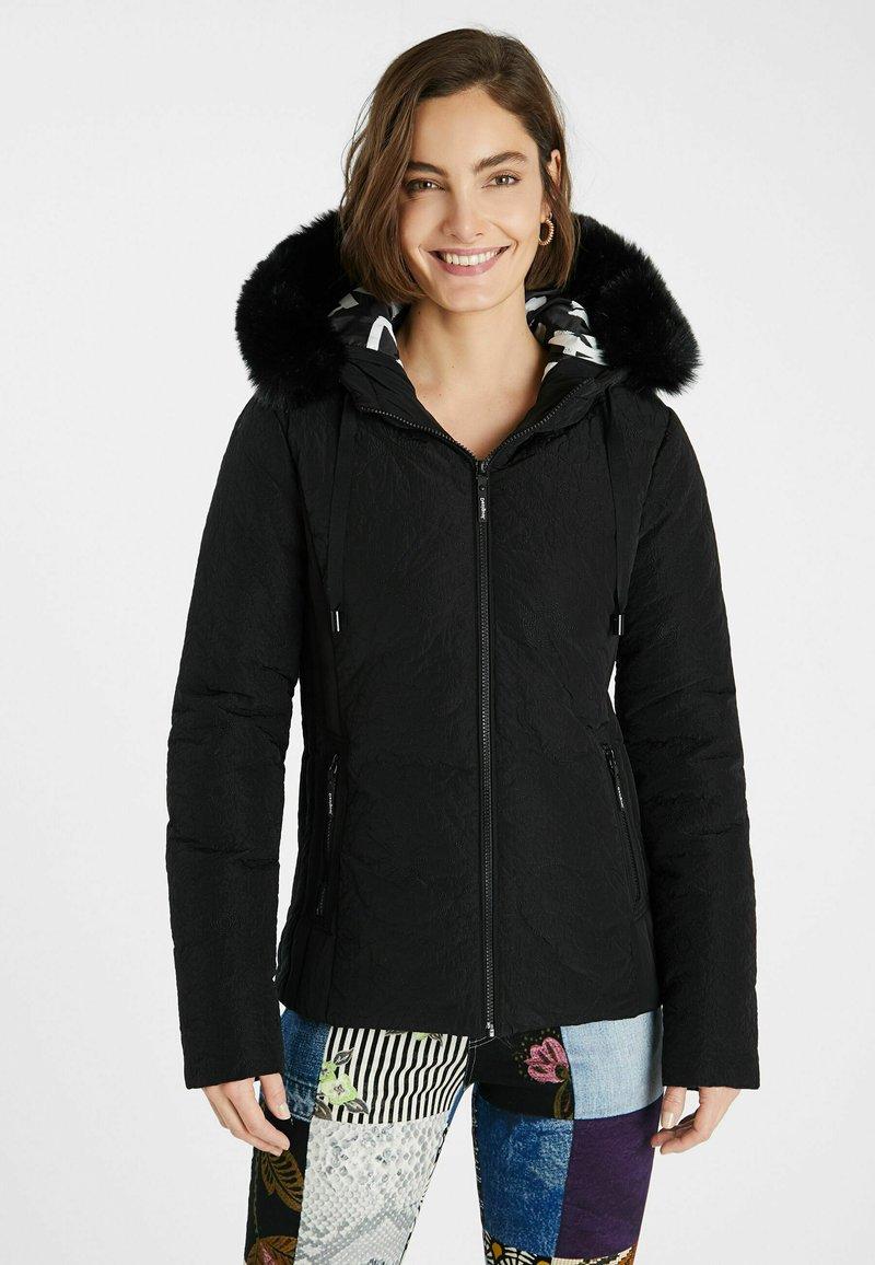 Desigual - SLIM PADDED JACKET HOOD - Winter jacket - black
