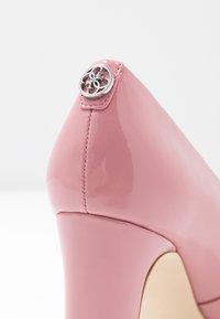 Guess - BLENDA - Decolleté - pink - 2