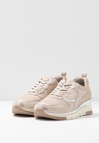 Tamaris Pure Relax - LACE-UP - Sneakers laag - champagne - 4