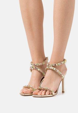 JAIDE  - Korolliset sandaalit - platino