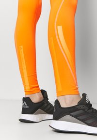 adidas by Stella McCartney - TRUEPURPOSE TIGHTS - Medias - signal orange - 6