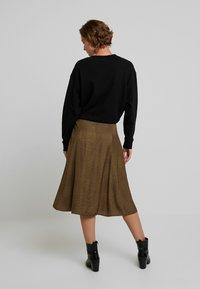 Gestuz - IRINA SKIRT - Maxi sukně - dark olive - 2