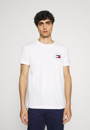 CIRCLE CHEST TEE - Print T-shirt - white