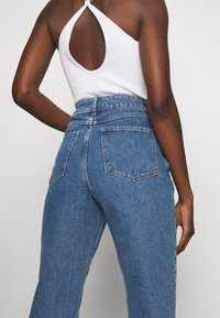 Zign - Mom Fit jeans - Straight leg jeans - blue denim - 4