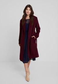 mint&berry - Classic coat - winetasting - 0