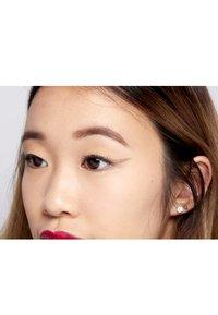Nyx Professional Makeup - GLITTER GOALS LIQUID EYELINER - Eyeliner - 04 crystal ball - 3