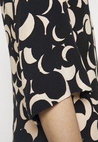 Marimekko - PEILAUS MURIKAT DRESS - Denní šaty - black/beige - 6