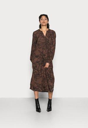 BETTIE DRESS - Day dress - brown / black graphic