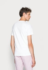 Calvin Klein Jeans - CORE INSTITUTIONAL LOGO TEE - T-shirt con stampa - bright white - 2