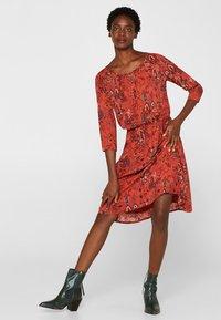 edc by Esprit - MIT ALLOVER-PRINT - Day dress - terracotta - 1