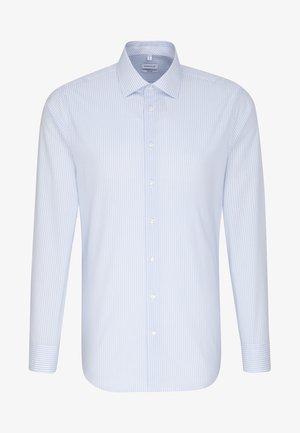 SHAPED FIT - Shirt - light blue