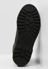 Panama Jack - AVIATOR IGLOO - Šněrovací kotníkové boty - black - 4