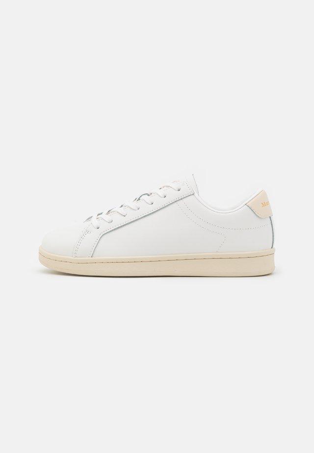 VIOLETA - Sneakers laag - white/raw