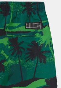 Molo - NIKO - Swimming shorts - black/dark green - 2