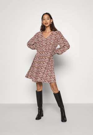 YASSADIE SHORT DRESS  - Kjole - cedar wood