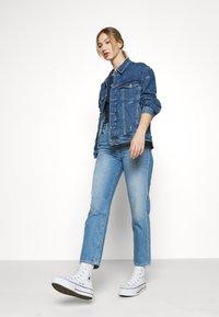 Tommy Jeans - TRUCKER JACKET - Denim jacket - denim light - 3