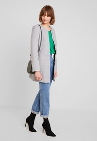 Vero Moda - VMCALA MARIS  - Kort kappa / rock - light grey melange - 1