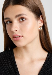 SNÖ of Sweden - CARRIE EAR PLAIN - Pendientes - gold-coloured - 1