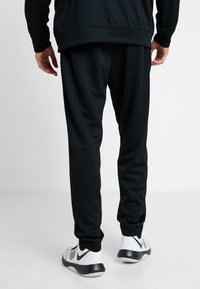 Nike Performance - M NK RIVALRY TRACKSUIT - Dres - black/white - 4