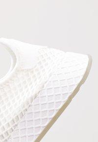 adidas Originals - DEERUPT RUNNER - Trainers - footwear white/core black/sesame - 5