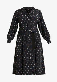 Fashion Union Plus - PRINTED BUTTON THROUGH DRESS - Košilové šaty - black - 3
