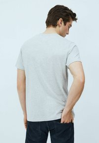 Pepe Jeans - ANDRES - T-shirt med print - gris marl - 2