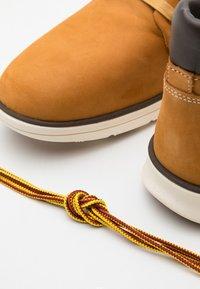 Timberland - BRADSTREET CHUKKA - Lace-up ankle boots - wheat - 5