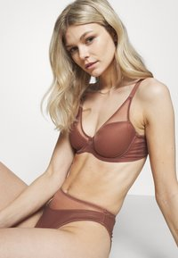 Agent Provocateur - LUCKY PADDED BRA - Underwired bra - chocolate - 3