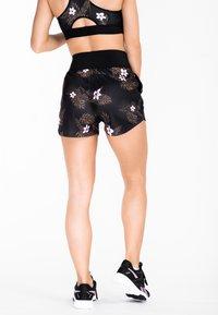 Zoe Leggings - TROPICAL VIBE  - Shortsit - pink - 1