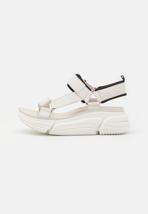 TRICOMET GO - Platform sandals - white