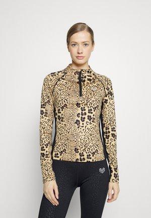 DANIA FITNESS - Maglietta a manica lunga - brown/black