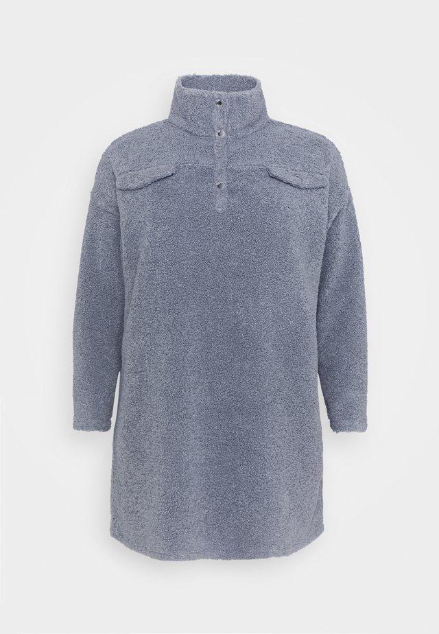 UTILITY BUTTON DRESS BORG - Sukienka dzianinowa - slate blue
