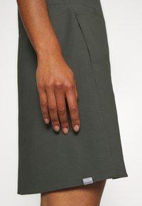 Houdini - DAWN DRESS - Sports dress - willow green - 6