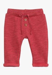 Noppies - PANTS REGULAR CAZENOVIA BABY - Stoffhose - garnet rose - 0