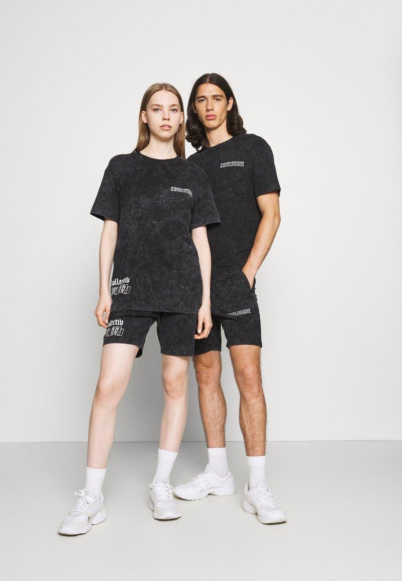 Common Kollectiv - WASHED TWINSET UNISEX - T-shirt imprimé - black