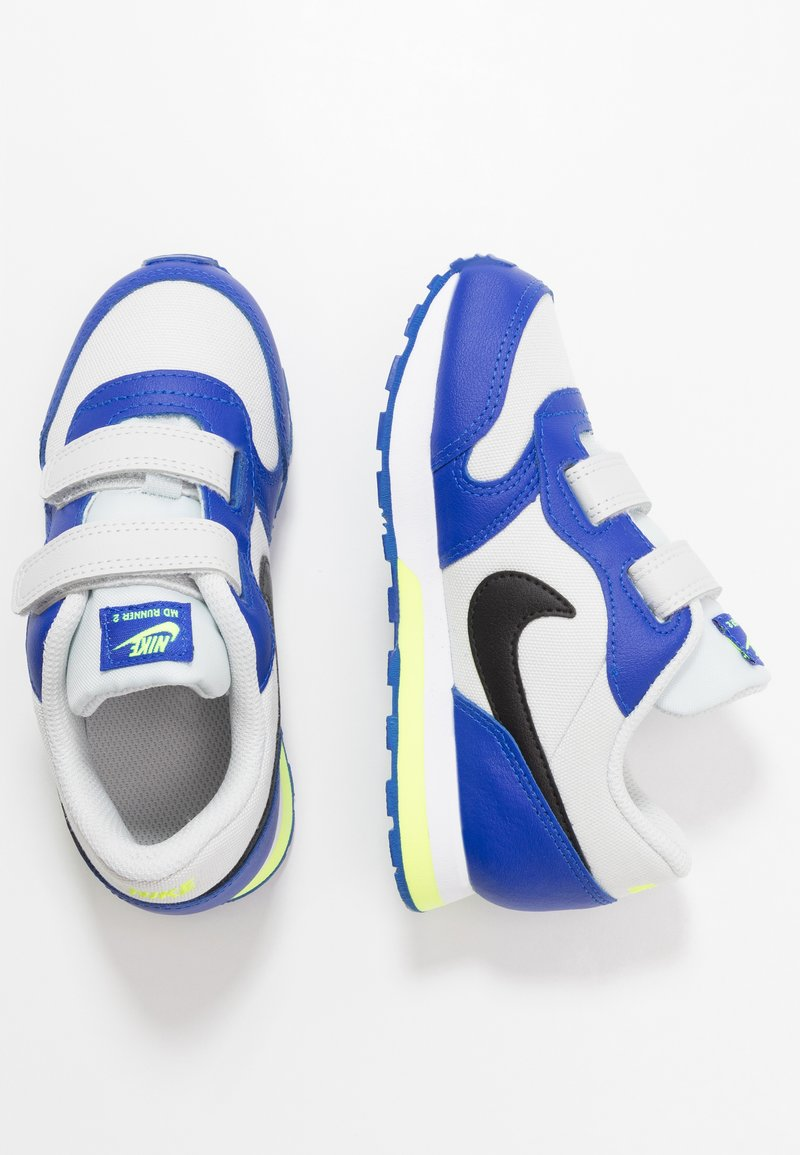 Nike Sportswear - MD RUNNER 2 - Sneakers laag - photon dust/black/hyper blue/volt
