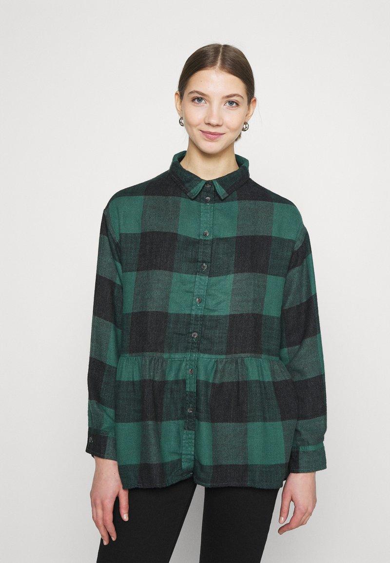 American Eagle - BABYDOLL PLAID - Button-down blouse - green