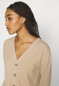Fashion Union - BRYONY CARDI - Cardigan - beige - 3