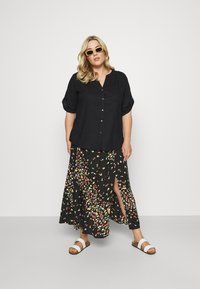 MY TRUE ME TOM TAILOR - BLOUSE WITH OPEN COLLAR - T-shirt basic - deep black - 1