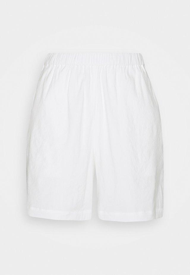 MAYE  LABEL - Short - white