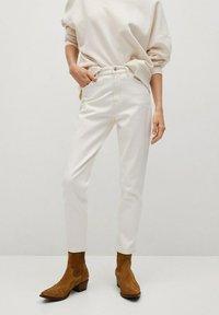 Mango - NEWMOM - Straight leg jeans - gebroken wit - 0