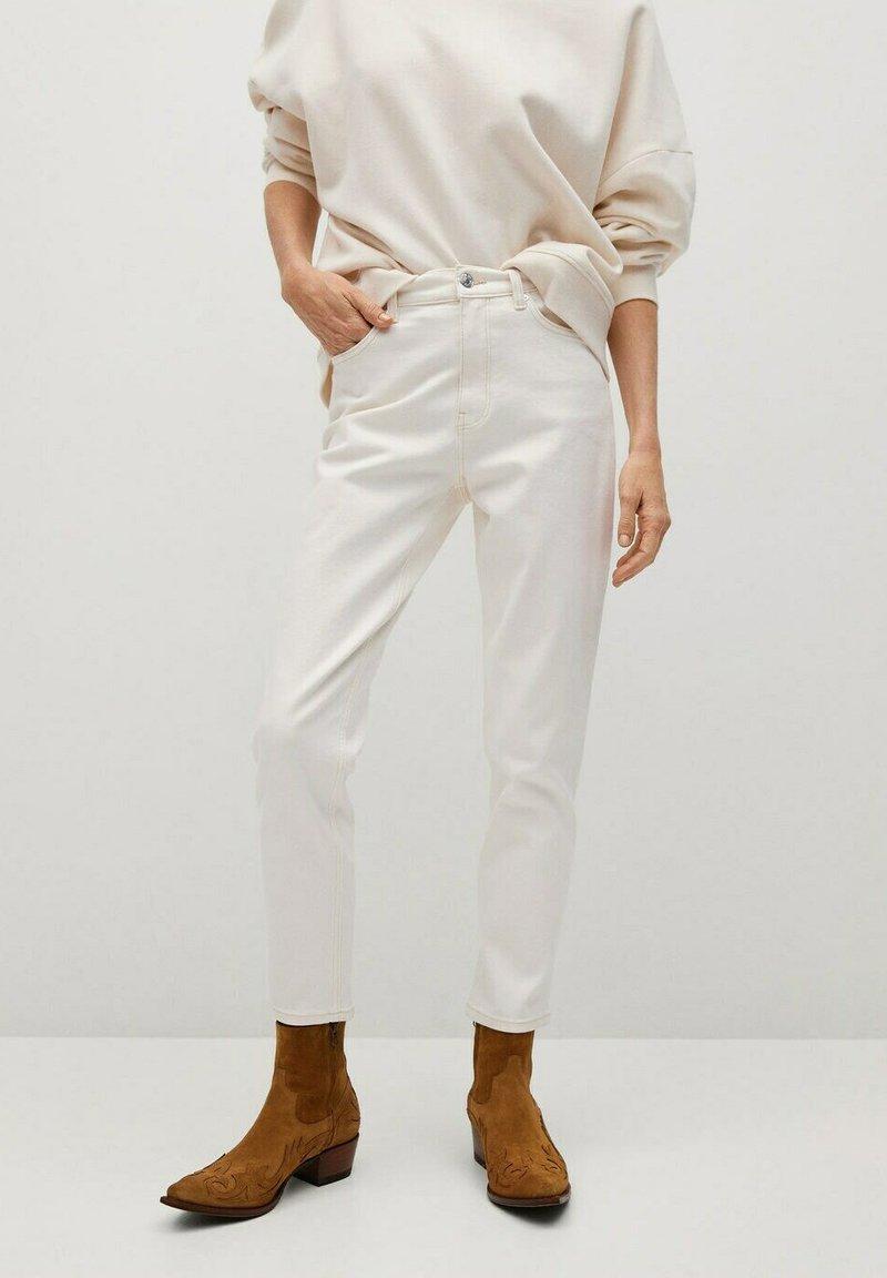 Mango - NEWMOM - Straight leg jeans - gebroken wit