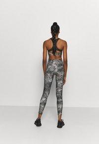 Reebok - LUX BOLD MODERN - Leggings - grey - 2