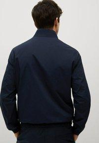 Mango - MIT REISSVERSCHLUSS - Summer jacket - dunkles marineblau - 2