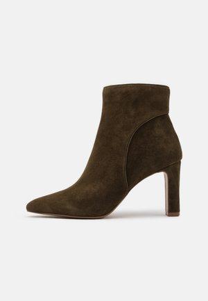 JENN - Ankle boots - olive