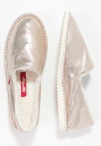 flip*flop - FLIPPADRILLA - Slippers - gold - 1