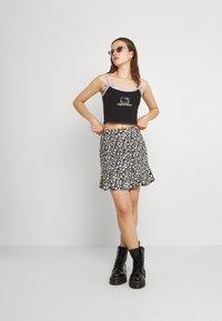Hollister Co. - CINCH SKIRT - Mini skirt - black - 1