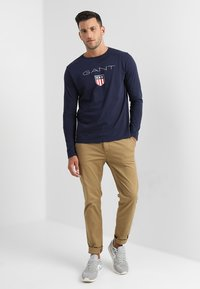 GANT - SHIELD - Long sleeved top - evening blue - 1